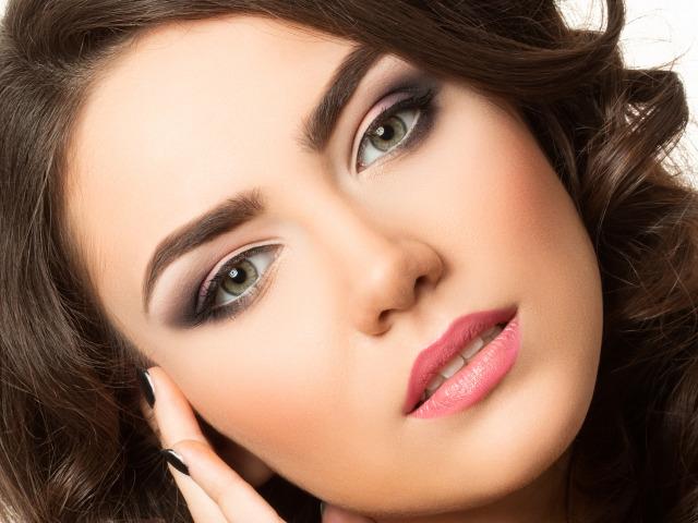 Различные виды макияжа для женской неотразимости