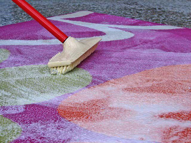 Способы очистки ковра от пятен и пыли