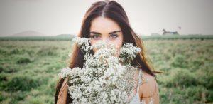 Бьюти-лайфхак: 3 быстрых способа освежить лицо