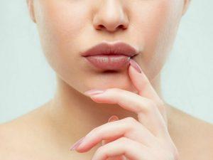 Как в домашних условиях создать эффект пухлых губ