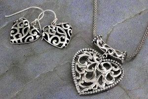 Ухаживаем за украшениями из серебра правильно