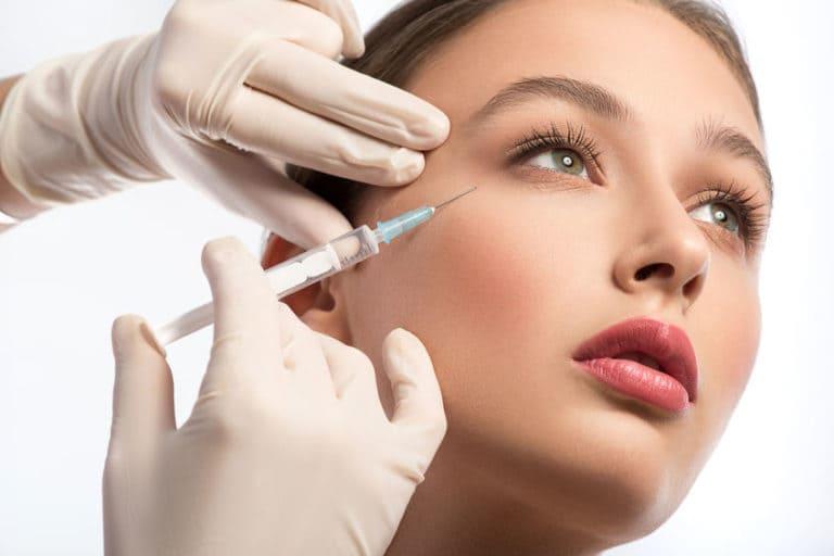 Уход за кожей лица: инъекции Ботокса