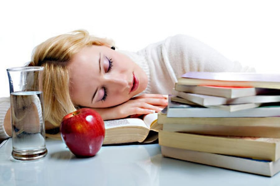 Синдром хронической усталости: причины, признаки и способы борьбы