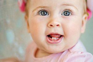 Как облегчить прорезывание зубов у детей