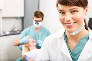 Сколько зарабатывают стоматологи?