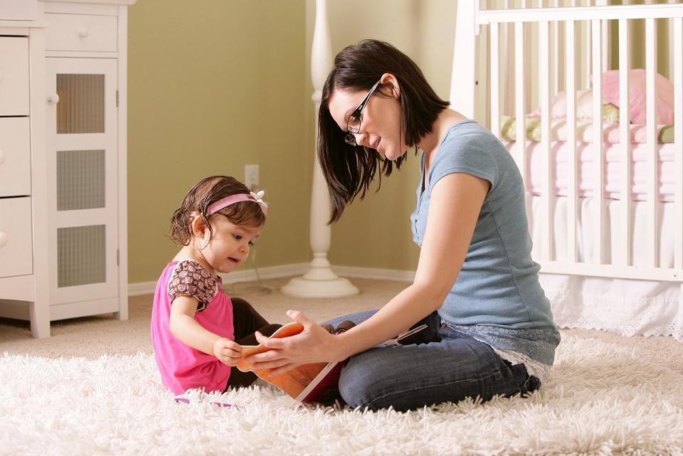 Какую выбрать няню для ребенка?
