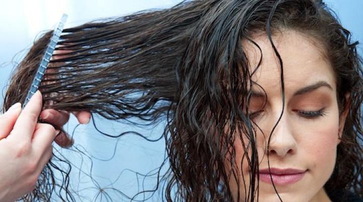 Как правильно мыть и расчесывать волосы