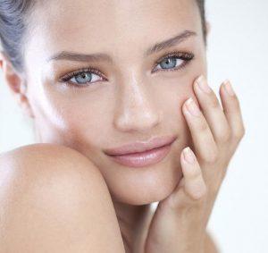 Уход за чувствительной кожей лица: губы, шея, кожа вокруг глаз