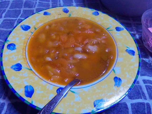 Греческий фасолевый суп