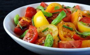 Рецепт салата с зеленью и помидорами