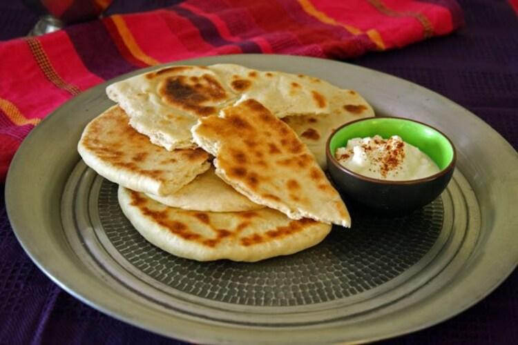 Индийские хлебные лепешки Naan
