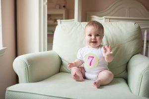 Развитие ребенка в 7 месяцев – что происходит?