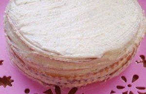 Как испечь сметанный торт на сковороде: рецепт для настоящих сладкоежек!