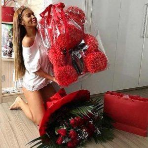 Что подарить девушке: беспроигрышные варианты подарков
