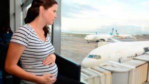 Вредно ли летать на самолете во время беременности?