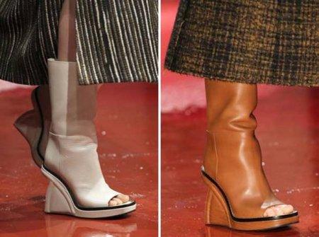Голый носок