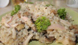 Ризотто с грибами и кальмарами