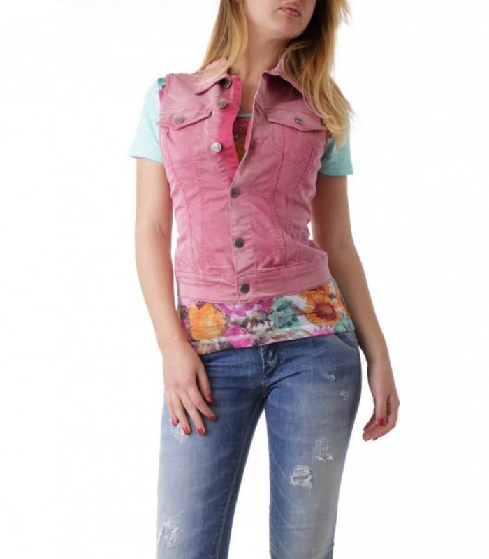 Розовая джинсовая жилетка