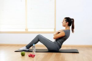 Как сделать живот плоским в домашних условиях